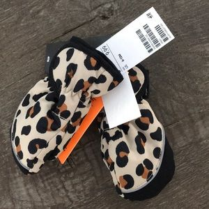 Leopard Water Resistant and Windproof Baby Gloves